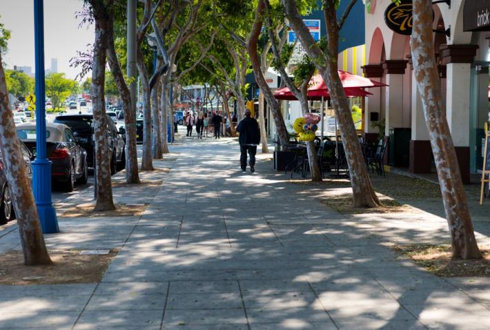 City Council Approves Plan for Enhanced Sidewalk Cleaning and Security Services